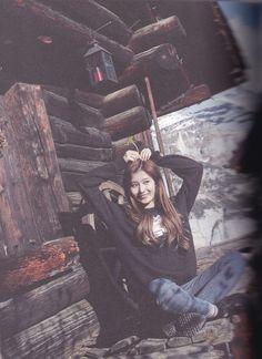 180208 Twice Photo Book J Pop, Kpop Girl Groups, Korean Girl Groups, Kpop Girls, Sana Minatozaki, Twice Once, Fandom, Twice Sana, Tzuyu Twice