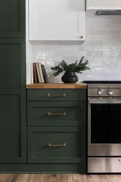 Riverside Retreat Kitchen Reveal – Home Renovation Dark Green Kitchen, Green Kitchen Cabinets, Kitchen Redo, Home Decor Kitchen, Interior Design Kitchen, Home Design, New Kitchen, Home Kitchens, Kitchen Dining