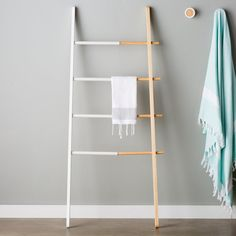 Can't put hooks in the wall? This decorative ladder from Wayfair is the perfect storage solution for any space. Adding a ladder to the bedroom is the perfect way to display jewelry, clothing, and more. #affiliate