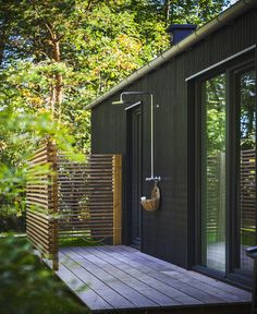 Outdoor Pool Shower, Outdoor Baths, Outdoor Bathrooms, Outdoor Kitchens, Outdoor Spaces, Outdoor Living, Outdoor Decor, Outside Showers, Small Bathroom Renovations