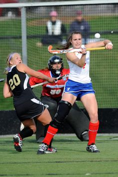 This is how NOT to play field hockey. Field Hockey Girls, Backpacking For Beginners, Hockey Players, Lacrosse, Sydney, Balls, Tutorials, Sport, Life