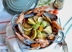 Fee  kitchen: Pilaf aux légumes et aux fruits de mer 綜合鮮味抓飯