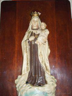 imagen de la virgen del carmen apostada en madera para colgar en perfecto estado