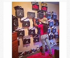 Tell your girl get it together Shoe Boxes On Wall, Shoe Wall, Jordans Retro, Sneaker Storage, Shoe Storage, Hypebeast Room, Sneakers Box, Shoe Room, Shoe Display