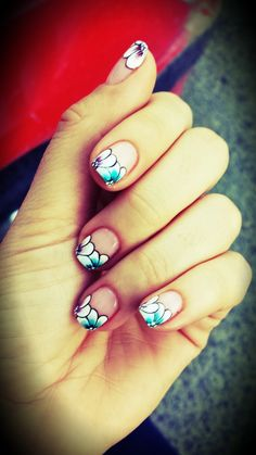 floral #nails #uñas #trends