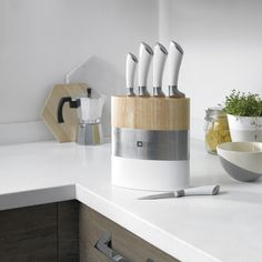 Buy quality branded kitchen knife block sets, kitchen knives, cutlery and kitchen storage at Select Homeware. Knife Block Set, Knife Sets, Sheffield Knives, Decor Interior Design, Interior Decorating, Cooks Knife, Home And Deco, Home Decor Furniture, Wood Table