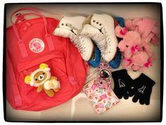 """投稿""""《What's in your Kånken bag ?!》- 投稿愛包收納照,集「讚」獎好禮!""""-by Mori Yen 款式:peach pink 說明:I love skating.  I love Kanken."""