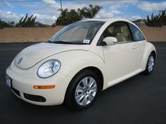 Harvest Moon Beige 2010 Volkswagen Beetle ~ Only of my dad would actually let me get one of these