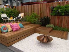 Jason brings big impact to a small space with a courtyard makeover that combines the hottest new trends in outdoor design with the easiest DIY decking system.