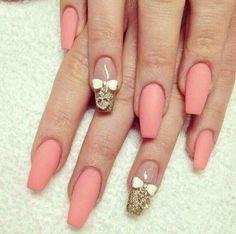 Coral art nails
