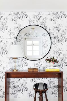 Patterned walls is a huge statement piece! http://www.stylemepretty.com/living/2017/02/08/a-classic-home-tour-full-of-gorgeous-pattern/ Photography: Colin Price - http://colinprice.photography/