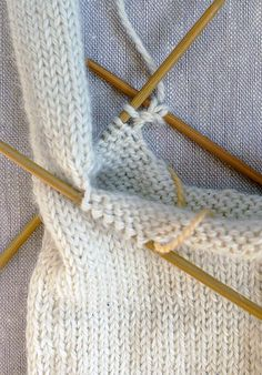 Gem Gloves Gem Gloves Because there was a time when ladies didn't leave the house without them, gloves have always suggested to me . Knitting Patterns Free, Hand Knitting, Crochet Patterns, Hat Patterns, Fingerless Gloves Knitted, Knit Mittens, Purl Soho, Hand Knitted Sweaters, Knit Crochet