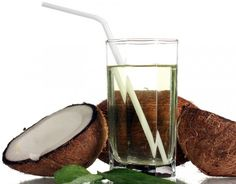 This Is What Drinking Coconut Water For 7 Days Does To Your Body!