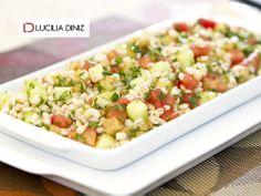 Essa salada detox ajuda a evitar o inchaço, entrar em forma e controlar o apetite! É fácil de fazer, veja a receita http://luciliadiniz.com/salada-de-cevada-com-pepino-e-hortela/