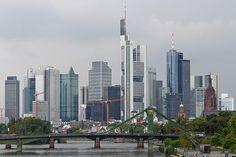 Frankfurt skyline - http://www.1pic4u.com/blog/2014/09/26/frankfurt-skyline/