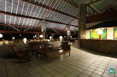 Esse é o nosso bar do loby, aqui você pode curtir uma boa música de frente pra praia! #LugarDeSerFeliz ;)  Venha conhecer → http://www.portobelloresort.com.br/?utm_content=bufferc7f6f&utm_medium=social&utm_source=pinterest.com&utm_campaign=buffer