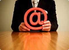 Come si comportano gli editori in rete? La loro presenza online è curata o trasandata?