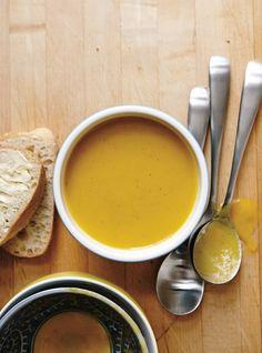 Recette de Ricardo de potage vide-frigo Quebec, Soup Recipes, Vegan Recipes, Confort Food, Gluten Free Soup, Food Security, Soups And Stews, Food To Make, Clean Eating
