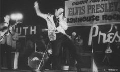 ANIMATED 500 VIDEO ELVIS SINGING OUT DOOR STAGE 1950'S photo ANIMATED 575 VIDEO ELVIS SINGING OUTDOOR STAGE 1950s L HAYRIDE NEW NEW_zpstcrmlwwj.gif