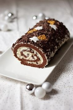 Bûche de Noël chocolat-mascarpone - Cake, blondies and brownies - Christmas Desserts, Christmas Baking, Christmas Recipes, Cake Recipes, Dessert Recipes, Log Cake, Gourmet Cooking, Sweet Treats, Sweets