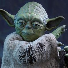 Hot Toys Star Wars Sixth Scale Figures - Yoda