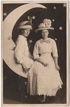 Edwardian Sisters. . . love this simple backdrop for halloween pics.