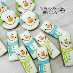 Snowman cookies and cookie sticks {Funky Cookie Studio} Christmas Biscuits, Christmas Sugar Cookies, Christmas Sweets, Noel Christmas, Holiday Cookies, Christmas Baking, Christmas Cakes, Winter Christmas, Fancy Cookies