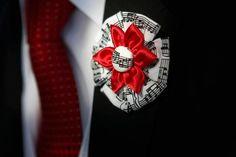 Custom made fabric Boutonniere for groom / groomsmen. $15.00, via Etsy.