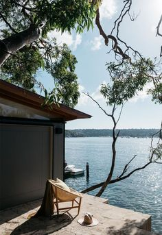 Slipway House: Highly Contemporary Interior Design with Minimalist Decoration Outdoor Spaces, Outdoor Living, Outdoor Decor, Home Interior, Interior And Exterior, Architect House, Contemporary Interior Design, Minimalist Decor, Minimalist Fashion