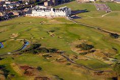 Golf course in Scotland, Carnoustie. Golfbaan in Schotland.