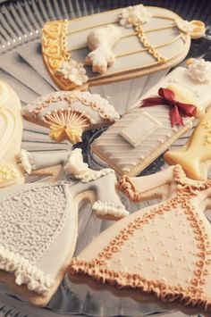 Dress, Birdcage, perfume cookies by ROSEY http://ameblo.jp/nut2deco/entry-11670691263.html