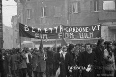 """""""Lavoratori della Beretta in sciopero"""" - 1976 http://www.bresciavintage.it/brescia-antica/fotografie-d-autore/lavoratori-della-beretta-sciopero-1976/"""