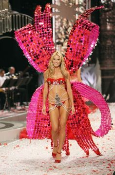 Best Fashion Show Music Ever Heidi Klum
