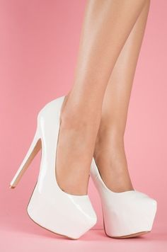 BELLE - EVERYONE should own a fab pair of white pumps #promshoespumps