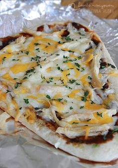 Hearts in My Oven: BBQ Chicken Naan Pizza @Lynna H