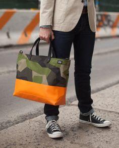 Tote Bags, Diy Tote Bag, Tote Backpack, Fashion Bags, Mens Fashion, Orange Bag, Hats For Men, Camouflage, Jute