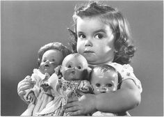 Little girls and their baby dolls. I loved my dolls! Weird Pictures, Vintage Pictures, Old Pictures, Vintage Images, Old Photos, Little People, Little Girls, Photo Humour, Old Dolls