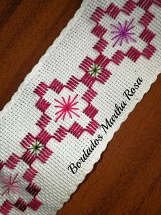 quilting like crazy Cross Stitch Art, Cross Stitch Designs, Cross Stitch Embroidery, Cross Stitch Patterns, Hand Embroidery Design Patterns, Hand Embroidery Flowers, Swedish Embroidery, Hardanger Embroidery, Bargello Patterns