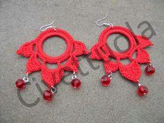 Orecchini crochet fiore di loto cotone rosso e cristalli