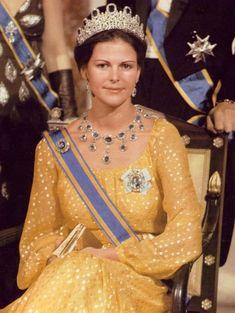 "Queen Silvia of Sweden and her ""Leuchtenberg Sapphire"" parure."