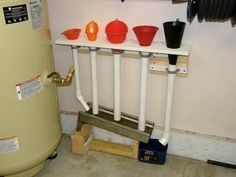 Funnel storage with a drip pan