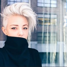 My dream hair Ombré Hair, Hair Dos, New Hair, Blonde Hair, Pixie Cut Blond, Long Pixie, Pixie Cuts, White Pixie Cut, Platinum Blonde Pixie