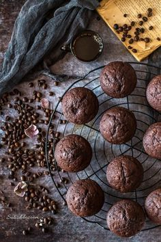 Kávés-csokis muffin | sutisdobozoom Cake Cookies, Cupcakes, Muffin, Food And Drink, Chocolate, Winter, Photos, Bra Tops, Winter Time