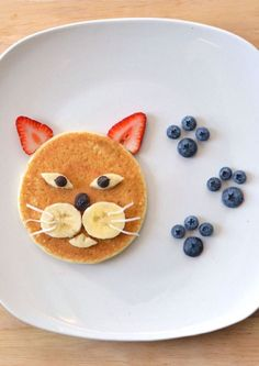 pancake for kids Pancake cat - - pancake Cute Food, Good Food, Yummy Food, Pancake Cat, Food Art For Kids, Childrens Meals, Toddler Snacks, Kid Snacks, Cute Snacks