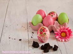 Huevos de Pascua rellenos de bromnie