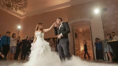 The beauty of falling in love is that it knows its perfect time. Mermaid Wedding, Lace Wedding, Wedding Dresses, Wedding Highlights, Conference, Beauty, Fashion, Bride Gowns, Beleza