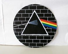 Pink Floyd - The Dark Side of the Moon - The Wall - Acrylic Painted Vinyl Record - Wall art Record Wall Art, Cd Wall Art, Cd Art, Small Canvas Art, Diy Canvas Art, Pink Floyd Art, Record Crafts, Vinyl Art, Dark Side