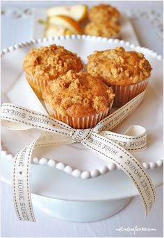 pear-muffins-and-honey-crumble-1