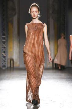 Uma Wang Ready To Wear Spring Summer 2016 Milan - NOWFASHION