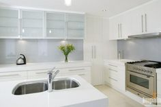 light grey splash back